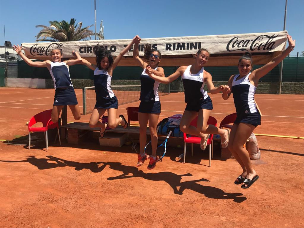 serie C femminile squadra che salta