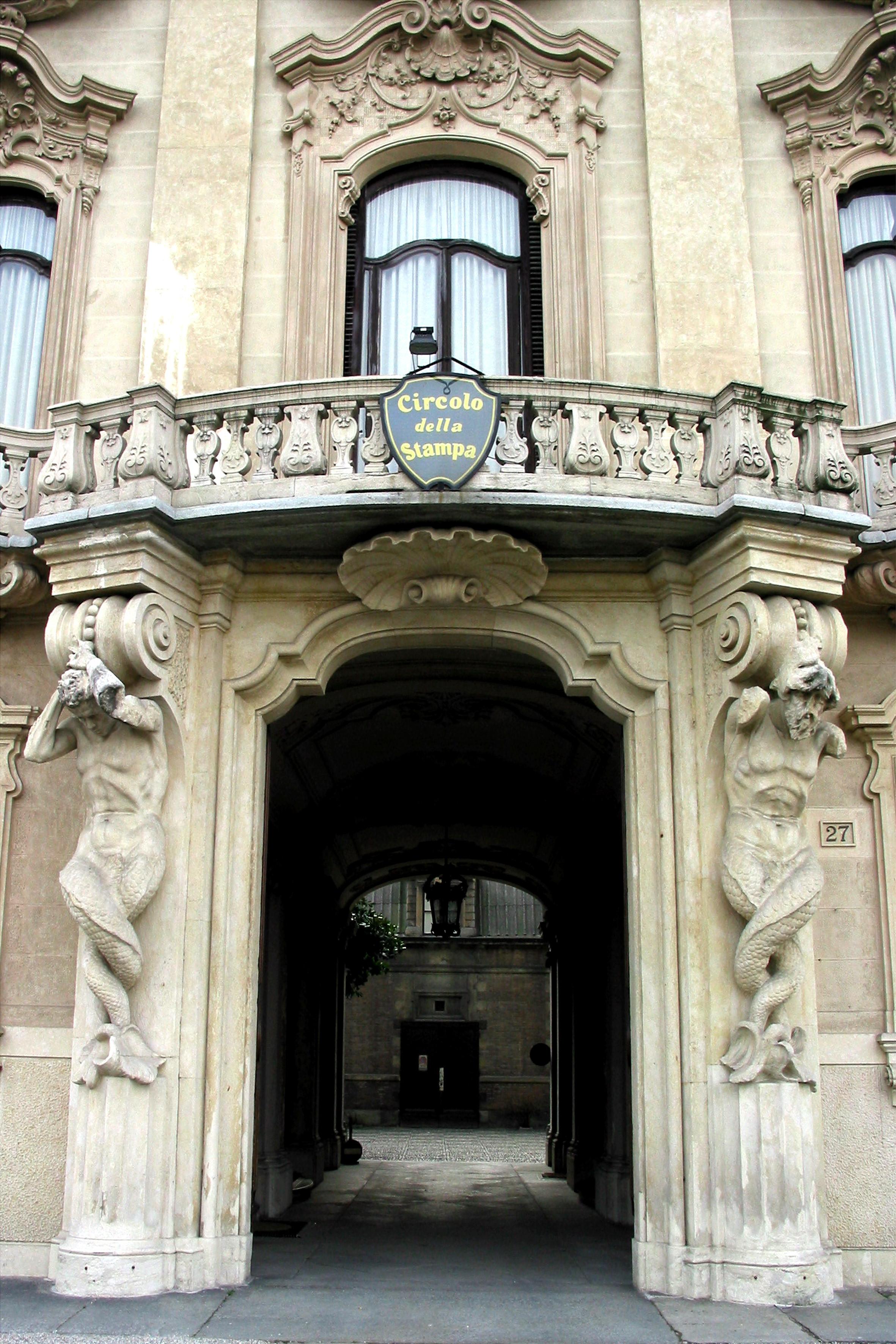 A Palazzo Ceriana Mayneri LA PRESENTAZIONE DEL LIBRO DI CAROLA VAI