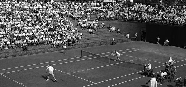 � Silvio Durante / LaPresse Archivio storico 12-06-1953 Coppa Davis a Torino Nella foto: Il campo centrale dello SPORTING CLUB di Torino dove si svolgono gli incontri di tennis di Coppa DAVIS tra l'Italia e la Svezia NEG-42223